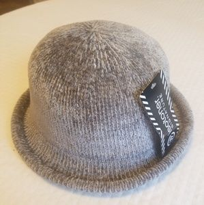 NWT Grey Isotoner Chenille August Hat
